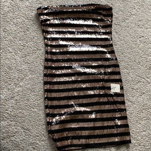 NWT Black and Gold Sequin Dress
